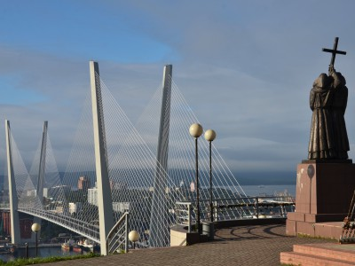 City tour  + Memorial Submarine S-56 + Golden Bridge + Russky Bridge + Russky Island (by car / bus)