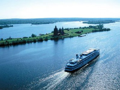 AMUR RIVER CRUISE by regular pleasure boat